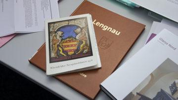 Neujahrsblätter, Protokolle, Chroniken, Jahrzeitenbücher und Hinweise aus der Bevölkerung geben Aufschluss über Alter und Herkunft der Kunstdenkmäler. | © Roger Wehrli