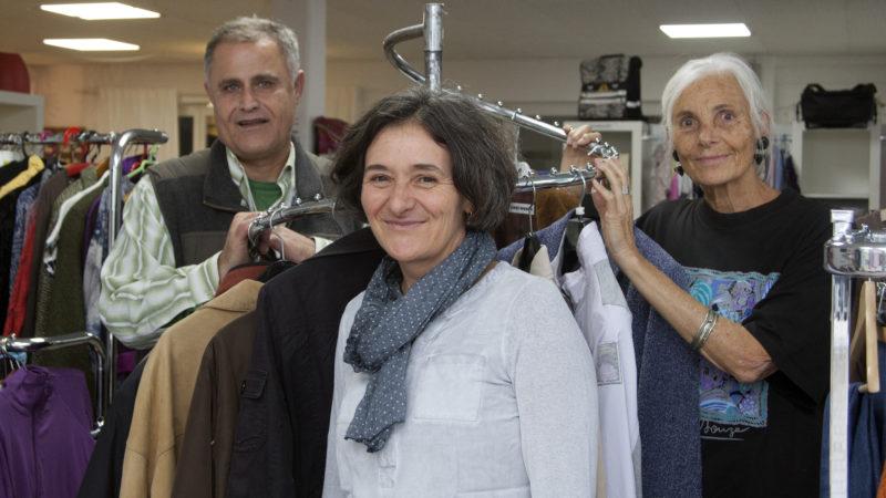 Sonja Neuenschwander, die Mitgründerin von «Speis & Gwand» (Mitte) zusammen mit Irene Obrist und Dilshad Tofik, die ebenfalls seit den Anfangszeiten beim Projekt dabei sind. | © Roger Wehrli