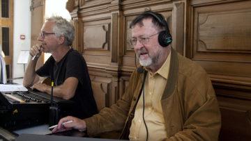 Der katholische Medienbeauftragte Bruno Fäh (rechts) verfolgt die Hauptprobe und kontrolliert die Einhaltung des Zeitplans. | © Roger Wehrli