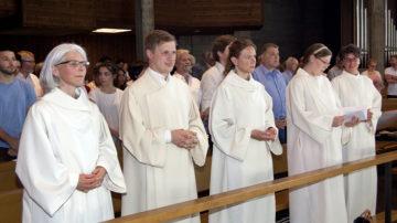 «Die Kirche braucht Leute, die nach vorne schauen», sagte Bischof Felix Gmür.Die Institutio-Feier ist Abschluss und Aufbruch zugleich.  | © Roger Wehrli