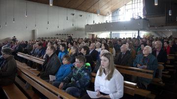 Die Kirche St. Johannes Evangelist in Döttingen war gut gefüllt. | © Roger Wehrli