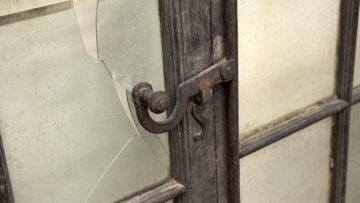 Mit Hartnäckigkeit, Fleiss und Erfahrung lassen sich Türen zu vergangenen Zeiten öffnen. Fundstück in den Räumen der Denkmalpflege Aargau. | © Roger Wehrli