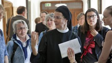 19 Siljas konnte Priorin Irene Gassmann zum 100. Geburtstag von Silja Walter im Kloster Fahr willkommen heissen. | © Roger Wehrli