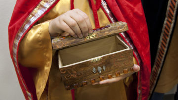 Papst Franziskus wird die Sternsinger im Neujahrsgottesdienst segnen. Am 6. Januar tragen die Sternsinger dann Gottes Segen von Haus zu Haus. | © Roger Wehrli