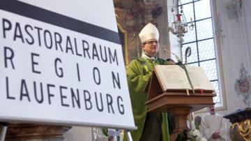 ...und tags darauf in Mettau: Bischof Felix Gmür errichtet den Pastoralraum Region Laufenburg. | © Roger Wehrli