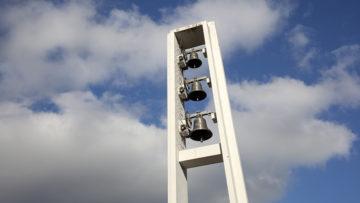 Die Initianten der Kirchenrettung kritisieren die Kirchenpflege: Dies habe untätig die Kirche verlottern lassen. Kirchenpflegepräsidentin Berta Hübscher kontert: «Die Kirchenpflege möchte die Kirche auch behalten. Dies muss aber finanziell tragbar sein, ohne dass der Steuerfuss erhöht werden muss.»  | © Roger Wehrli