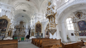 Hell, leicht, luftig. Die Klosterkirche von St. Urban vereint Zisterziensische Zurückhaltung und barocke Fülle zu einem Gesamtkunstwerk. Ein besonderer Raum mit mehreren so genannten Kraftpunkten. | © Roger Wehrli