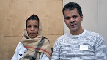 Mit Unterstützung seiner Co-Pilotin erreichte der 44-jährige Tekle aus Eritrea den Familiennachzug seiner Frau und seiner Tochter (nicht im Bild). | © Roger Wehrli