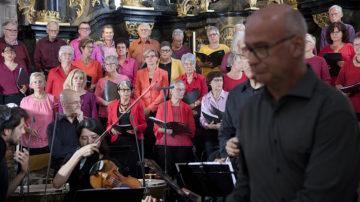Der Münsterchor präsentierte sich farblich sorgfältig komponiert. | © Roger Wehrli