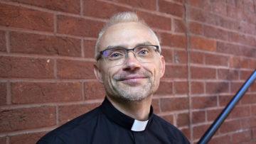 Pastoralraumpfarrer Roland Häfliger gibt seinen Pfarreiangehörigen immer wieder den Schupf: «Nutzt das Taxi, das steht euch zu!» | © Roger Wehrli