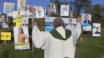 Sind kirchliche Mandatsträger wirklich politisch so links, wie ihnen von den bürgerlichen Parteien vorgeworfen wird? Das Ergebnis einer nicht repräsentativen Umfrage zeigt: ja. | © Roger Wehrli