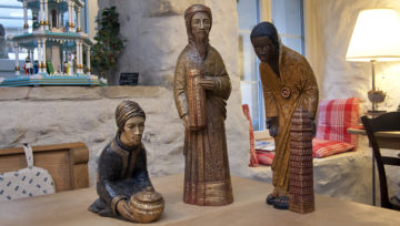 Bei diesen Königen aus Südfrankreich wurde das Generationenmotiv gut herausgearbeitet: Jüngling, Greis und Erwachsener (von rechts). | © Roger Wehrli