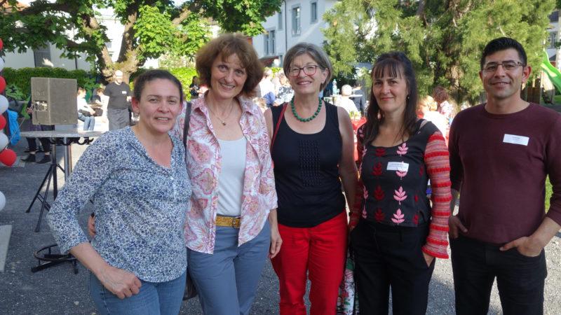 Anwesende aus Wohlen: Projektleiterin Susanne Siebenhaar (vierte von links) und Freiwillige in der Administrativen Unterstützung in Wohlen. | zvg