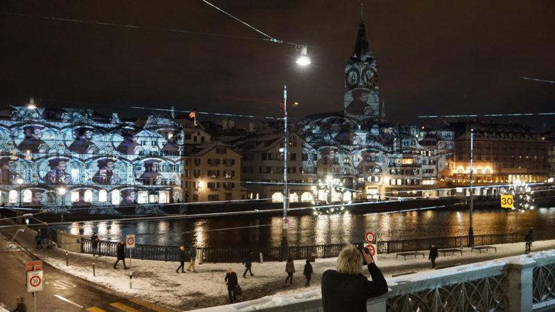 Mit einem grossen Festakt startete am 5. Januar 2017 das Jubiläum «500 Jahre Reformation» mit verschiedenen Ehrengästen. Am 6. und 7. Januar warteten die Organisatoren mit einem speziellen Programm in der Halle des Zürcher Hauptbahnhofs auf. | © sekfeps