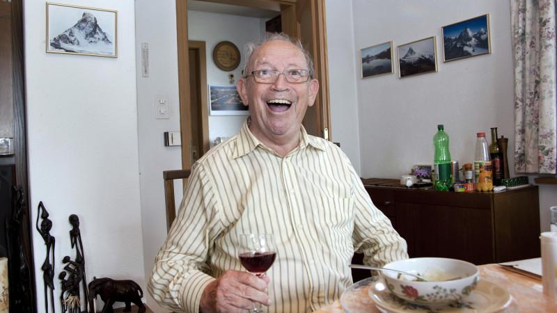Horizonte-Leser Ernst Seiler: Mit seinen heiteren Gesichtszügen und dem schelmenhaften Humor erinnert der 83-Jährige ein wenig an den pensionierten Zirkusseelsorger Ernst Heller. Die beiden teilen sich immerhin den Vornamen. | © Roger Wehrli