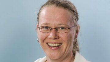 Vertritt die Gemeinde der Menschen mit einer Hörbehinderung und übersetzt in die Gebärdensprache: Gehörslosenseelsorgerin Anita Kohler. | zvg