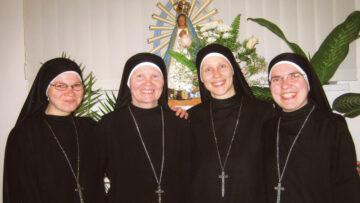 Durch Gebete und Kontemplation wollen die Schwestern von Burshtyn ein Vorbild sein und christliche Werte vermitteln. Dabei unterstützt sie das Hilfswerk «Kirche in Not». | © zvg