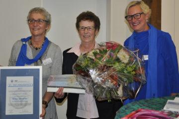 Am Freitag, 10. November 2017, erhielt Elsy Amsler den AKF-Frauenpreis. Preisübergabe in Laufenburg mit Vroni Peterhans (links), Präsidentin der Sanitas-Stiftung, Preisträgerin Elsy Amsler (Mitte) und Pia Viel, Präsidentin des Aargauischen Katholischen  Frauenbunds. | © zvg