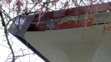 Das Dach in Aarau bezahlt die Gebäudeversicherung. So auch die meisten anderen Schäden an Aargauer Kirchen. | © zvg