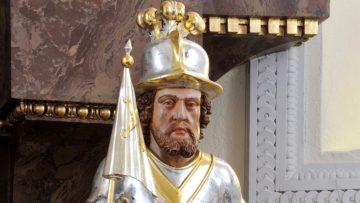 Ob die Büste einen Helm trägt oder nicht, könnte ebenfalls ein Hinweis auf die Identität geben. | © Kantonale Denkmalpflege