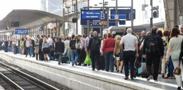 Immer mehr Menschen arbeiten in der Schweiz - und die Art und Weise, wie wir arbeiten, verändert sich. Auch in dieser Hinsicht hat sich die Schweiz gewandelt. | © kna-bild