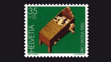 Im Jahr 1985 hat die Stiftung Pro Patria dem Brauchtum des Rätschens eine Briefmarke gewidmet.  | ©  zvg