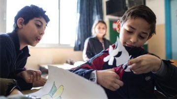 Bilal kann in der Schule mehr als nur Schulstoff erarbeiten. | © Alexandra Wey