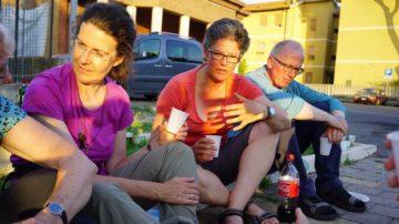 Hildegard Aepli (Mitte) pilgerte unter anderem nach Jeursalem und führte vergangenes Jahr die Initiative «Für eine Kirche mit den Frauen» von St. Gallen nach Rom. Die St. Gallerin weiss um die Herausforderungen des Pilgerns. | © Vera Rüttimann