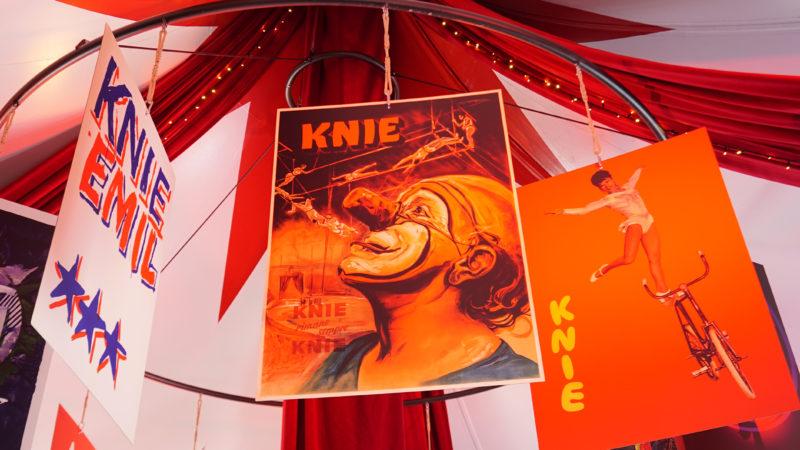 Jedes Jahr feiert der Zirkus Knie auf der Luzerner Allmend einen Zirkusgottesdienst. Auch dieses Jahr kamen 2000 Besucherinnen und Besucher. Die Zirkusseelsorge feiert in diesem Jahr ihr 20-jähriges Bestehen.   © Vera Rüttimann