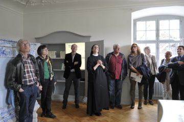 Sichtlich erfreut eröffnete Priorin Irene Gassmann den Silja-Walter-Raum: «Wir möchten, dass das Erbe von Silja Walter weiter brennt.» | © Vera Rüttimann