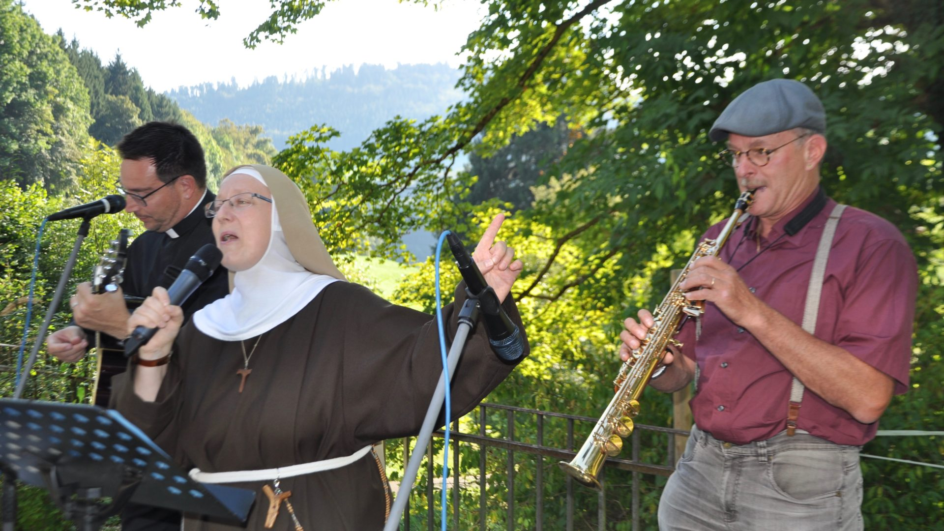 Fast wie Sister Act «