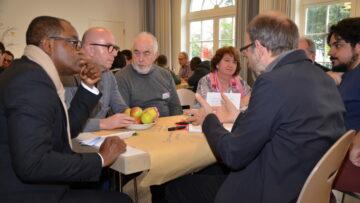 Über die Prozesse und Inhalte des Projekts «Zukunft Migrationspastoral im Aargau» wurde in kleinen Gruppen angeregt diskutiert. | © Christian Breitschmid