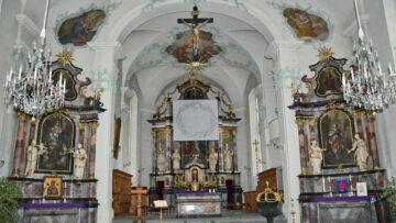 So zeigt sich das Hungertuch der Sinser Künstlerin Annemie Lieder in der Pfarrkirche von Dietwil, St. Barbara. | © Christian Breitschmid