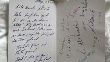 Alle Bewohner von Stock G im Alterszentrum St. Bernhard, Wettingen, haben auf der Dankeskarte für die «Schöne Post» unterschrieben. | © Marie-Christine Andres
