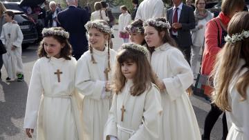 21 Kinder feierten in der Pfarrei Nussbaumen am Weissen Sonntag ihre Erstkommunion. | © Roger Wehrli