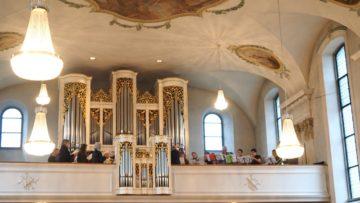 Musikalisch wurde der Gottesdienst in bester und festlicher, zum Mitsingen reizender Weise begleitet vom Ad-hoc-Chor der Kirchenchöre Auw, Dietwil, Oberrüti, Sins und dem Bläserensemble der Musikgesellschaft Abtwil. | © Anne Burgmer