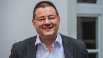 Melchior Etlin ist Geschäftsführer des Schweizerischen Katholischen Pressevereins (SKPV) und koordiniert das Mandat von Seiten der Medienkonferenz der Schweizer Bischofskonferenz (SBK) für das Erstellen und den Versand der Unterlagen an die Pfarreien sowie die Verwaltung der Kollekte zum Mediensonntag. | zvg