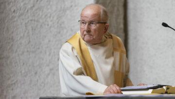 Eugen Vogel blickt in Dankbarkeit zurück auf 70 erfüllte Jahre als Priester. | © Werner Rolli