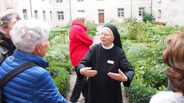 Kirche, Friedhof, Garten: Am Tag der offenen Tür wurde das Kloster Fahr zum Erlebnis. | © Andreas C. Müller
