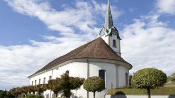 Im Aargau sind die Kirchen in Baldingen, Zeiningen und Fislisbach der Heiligen Agatha geweiht, deren Gedenktag die katholische am 5. Februar feiert. Hier die Kirche St. Agatha in Fislisbach. | © Roger Wehrli