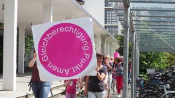 Am 14. Juni 2019 fand nach 25 Jahren der zweite grosse Frauenstreik in der Schweiz statt. An vielen Orten organisierten sich auch kirchlich Engagierte und in der Kirche berufstätige Frauen zum Frauen*Kirchenstreik. Dieser dauerte bis zum Sonntag, 16. Juni 2019. Besonders der Schweizerische Katholische Frauenbund (SKF) hatte zu verschiedenen Aktionen aufgerufen.   © Anne Burgmer