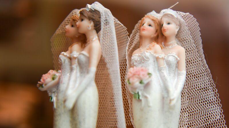 Bei der «Ehe für alle» treffen verschiedene Weltbilder aufeinander. Reformierte in der Ostschweiz machen sich Sorgen um eine Kirchenspaltung. | © kna-bild