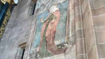 Hinter dem Hochaltar ist die älteste im Münster erhaltene Verena-Darstellung zu finden. | © Marie-Christine Andres