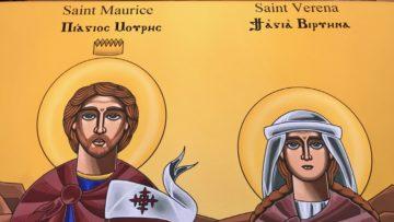 Als Dank für den Empfang und die Reliquien überreichten die koptischen Delegationen der Pfarrei St. Verena eine Ikone von Mauritius und Verena. | © Marie-Christine Andres