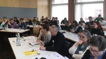 Der Vorstand der Pastoralkonferenz freute sich über die gute Altersdurchmischung bei den Teilnehmern.    © Marie-Christine Andres