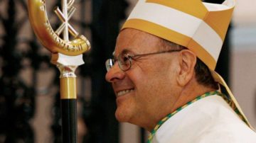 Im April 2017 wird der Churer Bischof Vitus Huonder in Rom seinen Rücktritt einreichen. Die anschliessende Wahl eines neuerlich konservativen Geistlichen zum Bischof könnte für das Bistum existenzbedrohend werden. | © REUTERS/Steffen Schmidt