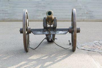 Die Kanone in Muri stammt aus dem Jahr 1904 und wurde in der Glockengiesserei Rüetschi in Aarau gebaut. Damals erwarb die Michaelsbruderschaft sie für 120 Franken. | © Bernhard Kägi