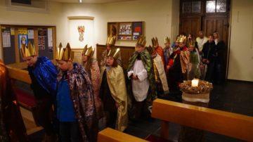 Obschon mit 822 Katholiken nur eine kleine Pfarrei, finden sich nach wie vor viele Kinder, die beim Sternsingerbrauch mitmachen. | © Hans Böller-Herzog