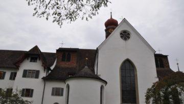 250 enttäuschte Kirchgängerinnen und Kirchgänger haben in Wettingen eine Petition unterschrieben, die nach Solothurn geschickt wurde. In dieser wird verlangt, dass in der Pfarrei St. Anton «endlich eine offizielle Ansprech- und Bezugsperson eingesetzt wird». | © Carmen Frei