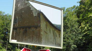 Das Kloster Schönthal überfällt nicht mit offensichtlichem Prunkt, sondern mit einer sommerlich schlichten und warmen Innerlichkeit. Es ist ein introvertierter Ort des Dialogs. Zwischen Menschen und Natur, Natur und Kunst und Kunst und Mensch. | © Anne Burgmer
